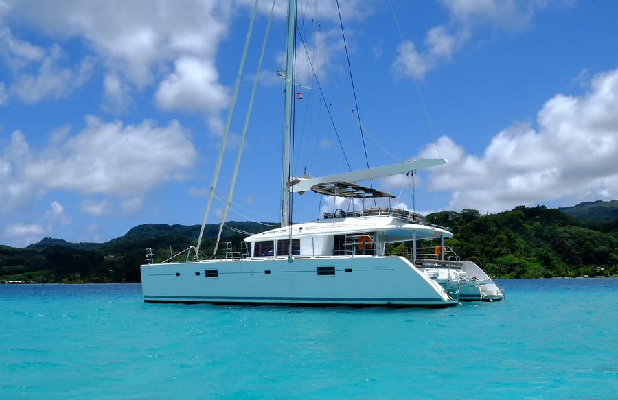 Lagoon 560 for sale in Tahiti
