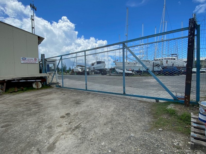 Gates closed due to quarantine in Raiatea French Polynesia