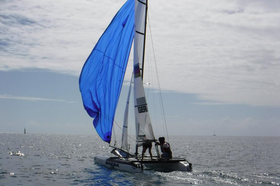 Nacra 15 Tahiti montage et premiers bords