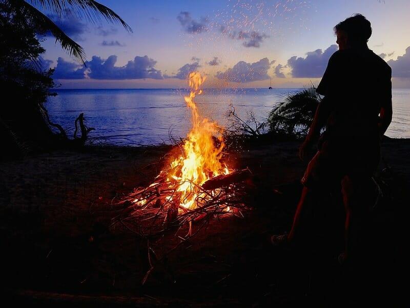 Tuamotu atoll campfire