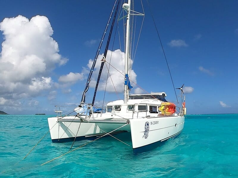 Lagoon 380 Owners Version 2004 for sale in Tahiti
