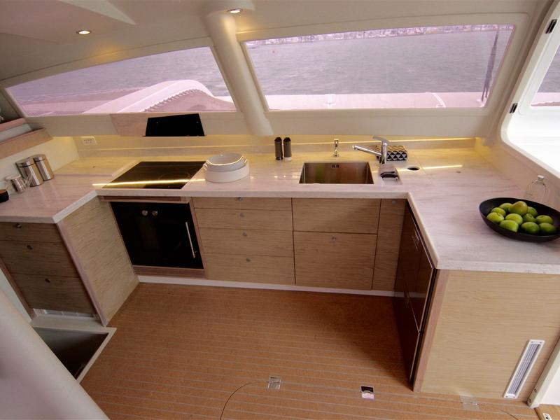 Rapido 60 Trimaran available in French Polynesia