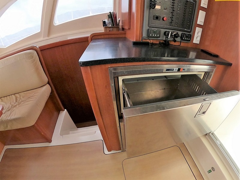 Leopard 44 cruising catamaran for sale in Tahiti
