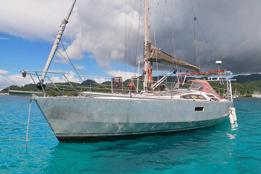 Ovni 39 Aluminium sailboat for sale in Tahiti