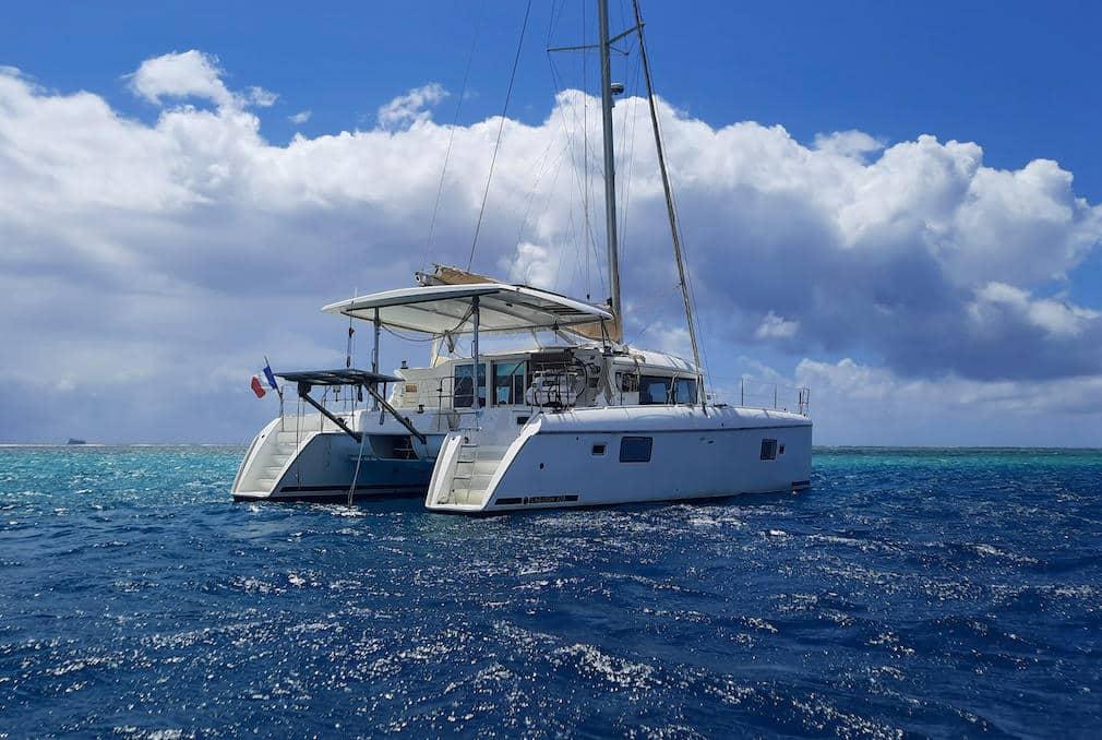 Lagoon 420 catamaran owners version for sale in Tahiti